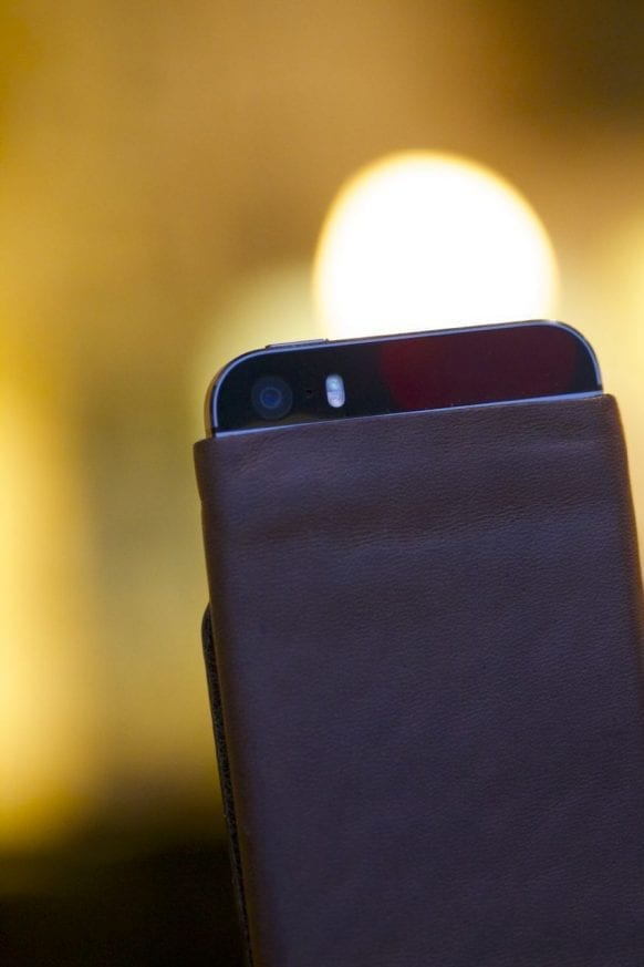 Bisonmade iPhone 5 Sleeve Review4