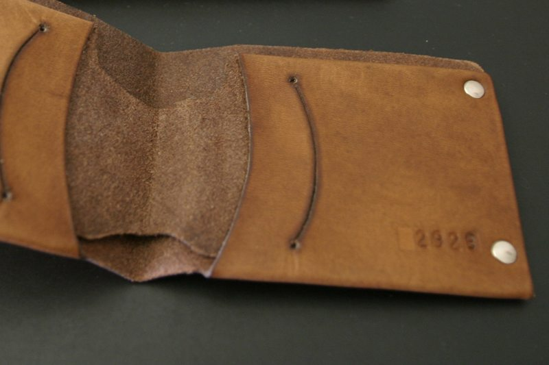MrLentz-Traditional-Minimal-Leather-Wallet-3