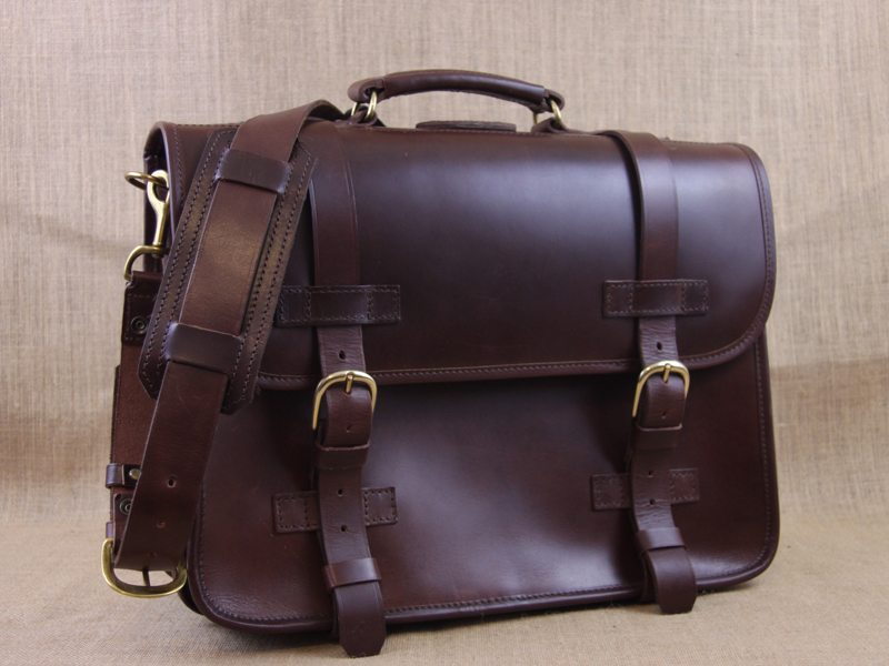LederMann-Extra-Large-Leather-Briefcase-Backpack-21