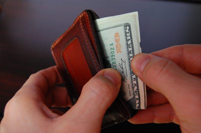 Saddleback-Leather-Front-Pocket-ID-Wallet-3