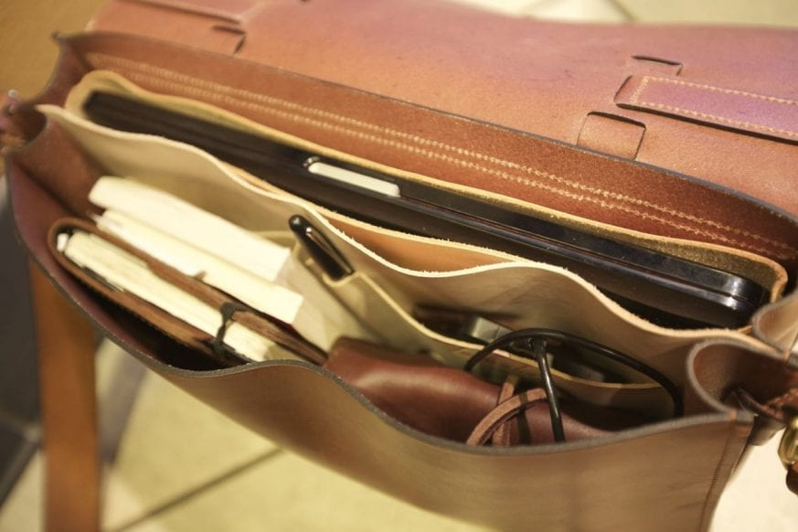 Basader Gusseted Briefcase Review11