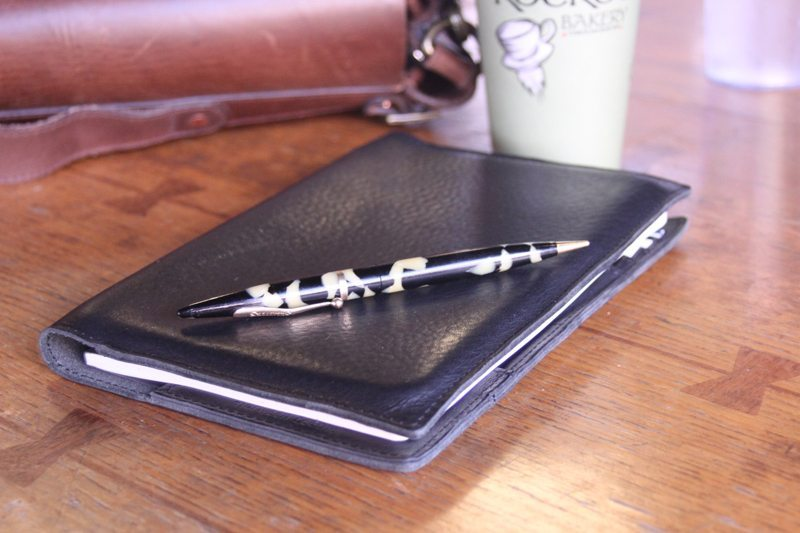 Shinola-Journal-iPad-Mini-9
