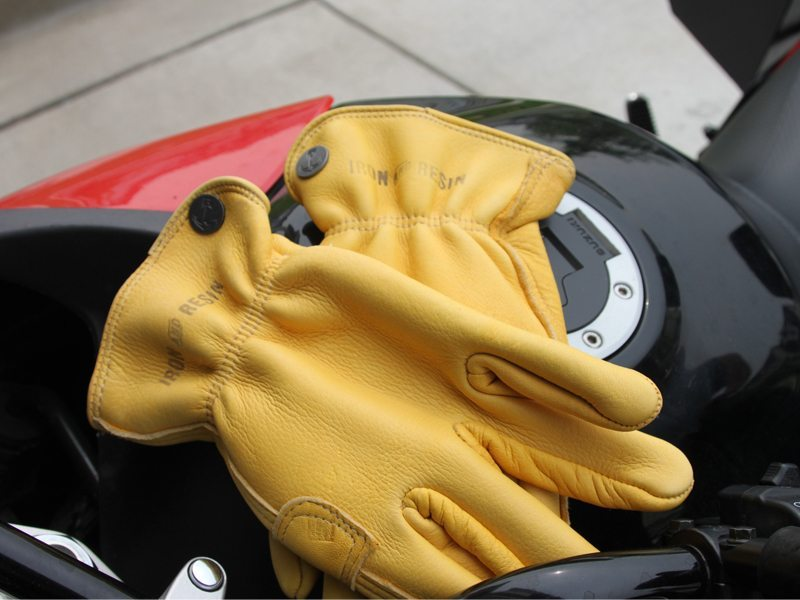 Iron-Resin-Cafe-Gloves-Review-2