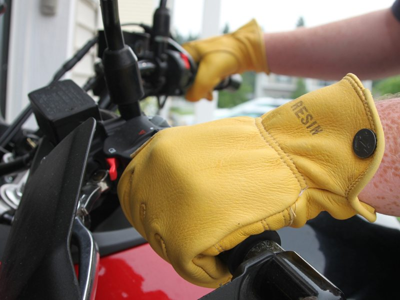 Iron-Resin-Cafe-Gloves-Review-6