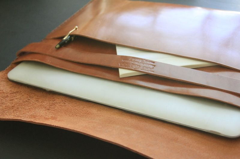 Tox-Leather-MacBook-Air-Case-6
