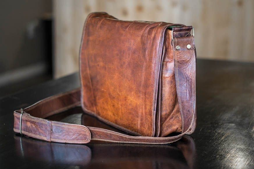 High-On-Leather-Vintage-Brown-Messenger-Bag-DSC_0008