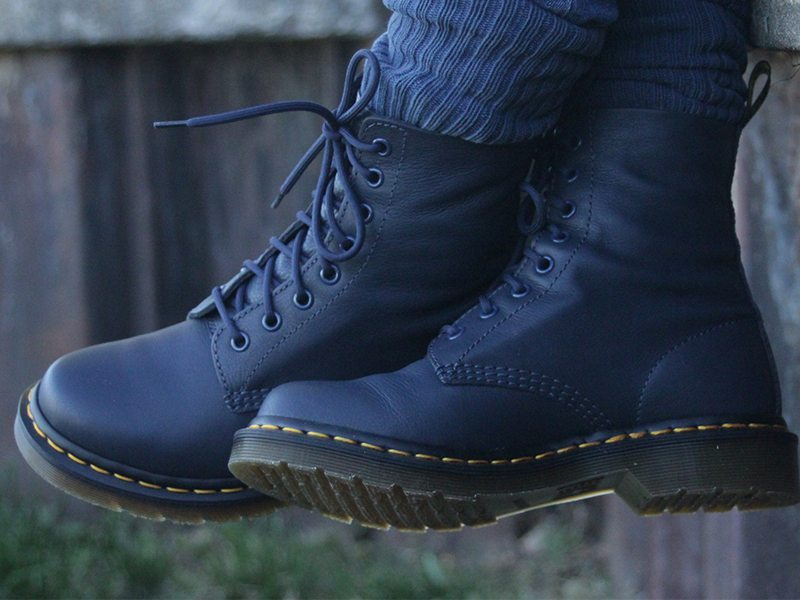 r Martens Pascal Boots 7