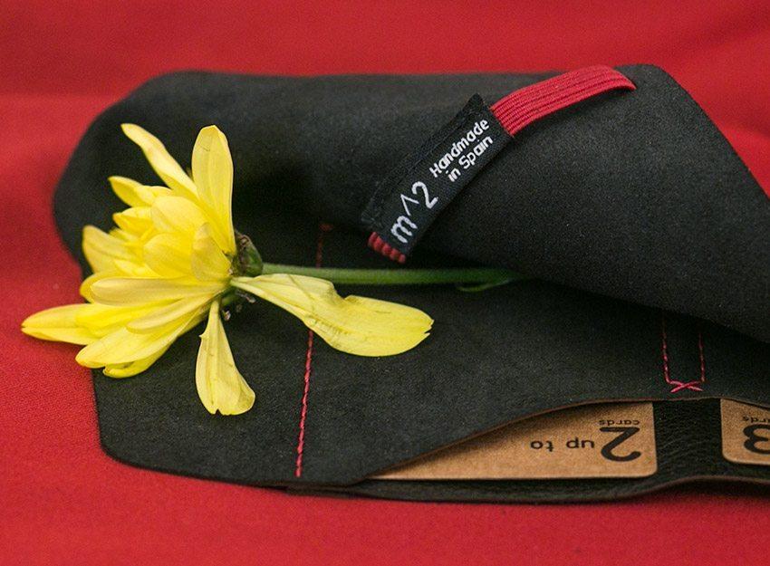 minimum-squared-black-leather-wallet-002