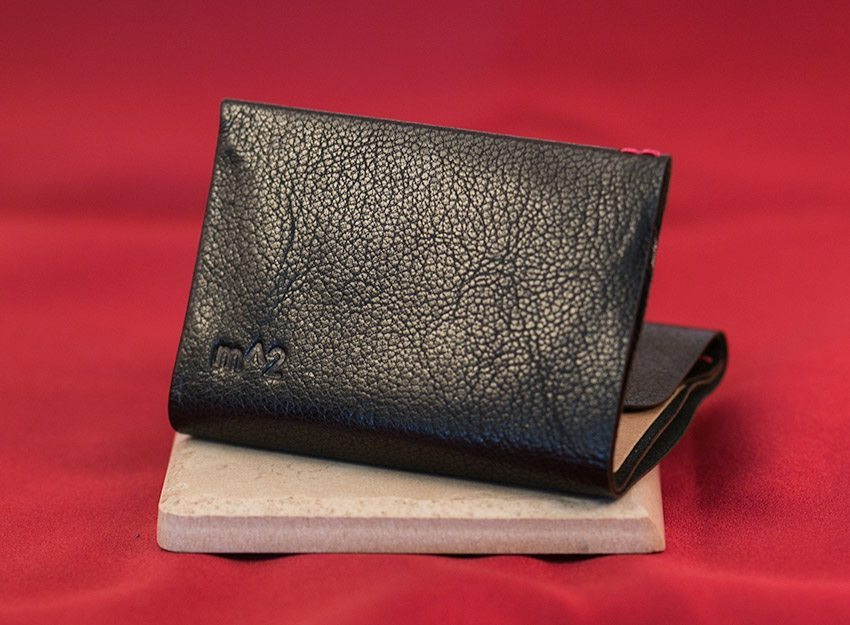 minimum-squared-black-leather-wallet-006