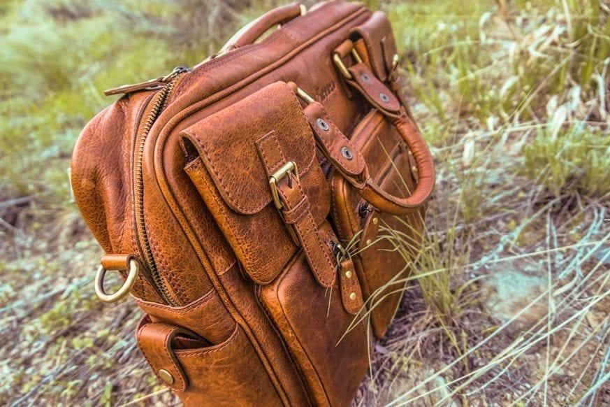 Vicenzo-Signature-Full-grain-Leather-Briefcase-Review-DSC00665