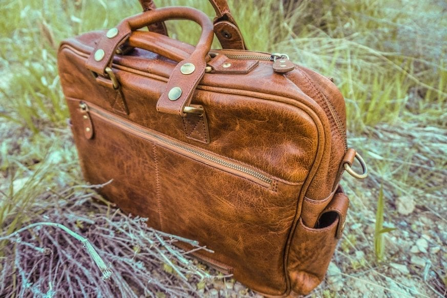 Vicenzo-Signature-Full-grain-Leather-Briefcase-Review-DSC00679