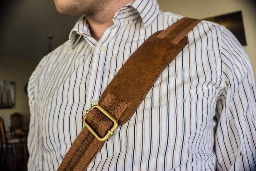 Vicenzo-Signature-Full-grain-Leather-Briefcase-Review-DSC00700