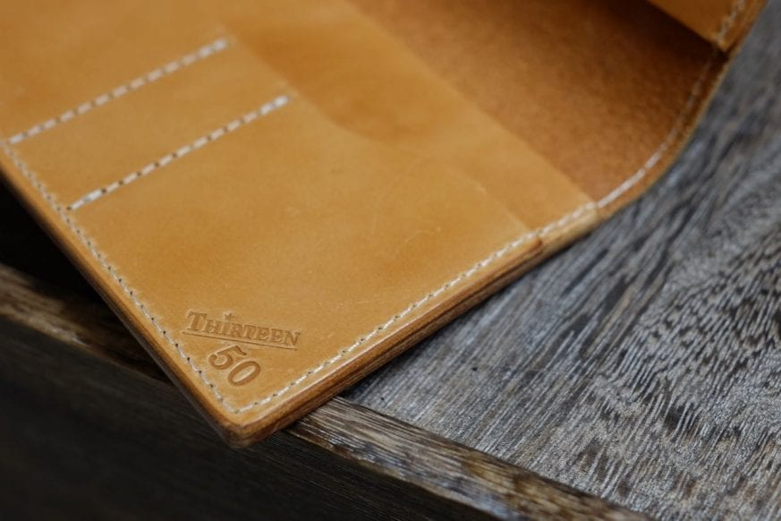 thirteen50-leather-whiskey-traveler-wallet-review - 11