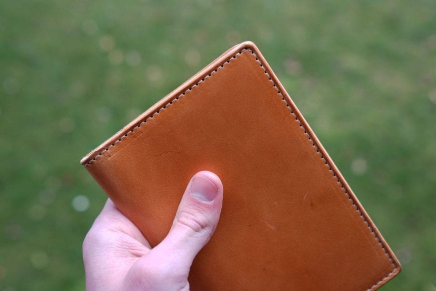 thirteen50-leather-whiskey-traveler-wallet-review - 8