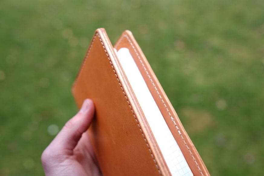 thirteen50-leather-whiskey-traveler-wallet-review - 9