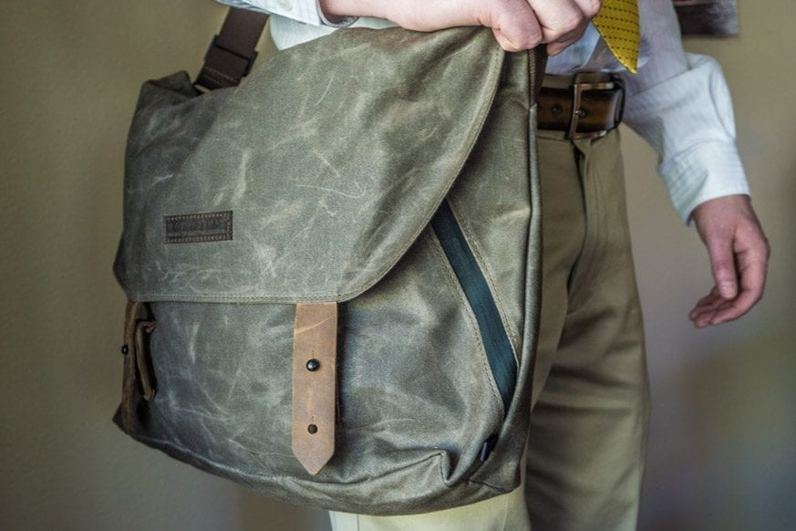 Waterfield-Designs-Vitesse-Messenger-Bag-Review-$159-BestLeather.org-DSC00911