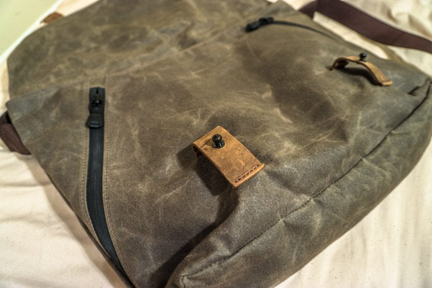 Waterfield-Designs-Vitesse-Messenger-Bag-Review-$159-BestLeather.org-DSC00962