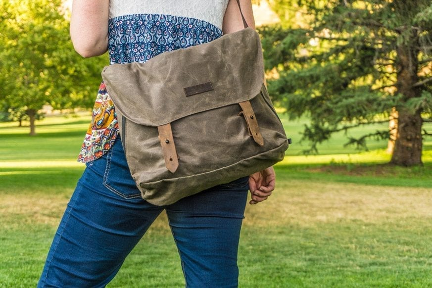 Waterfield-Designs-Vitesse-Messenger-Bag-Review-$159-BestLeather.org-DSC01005