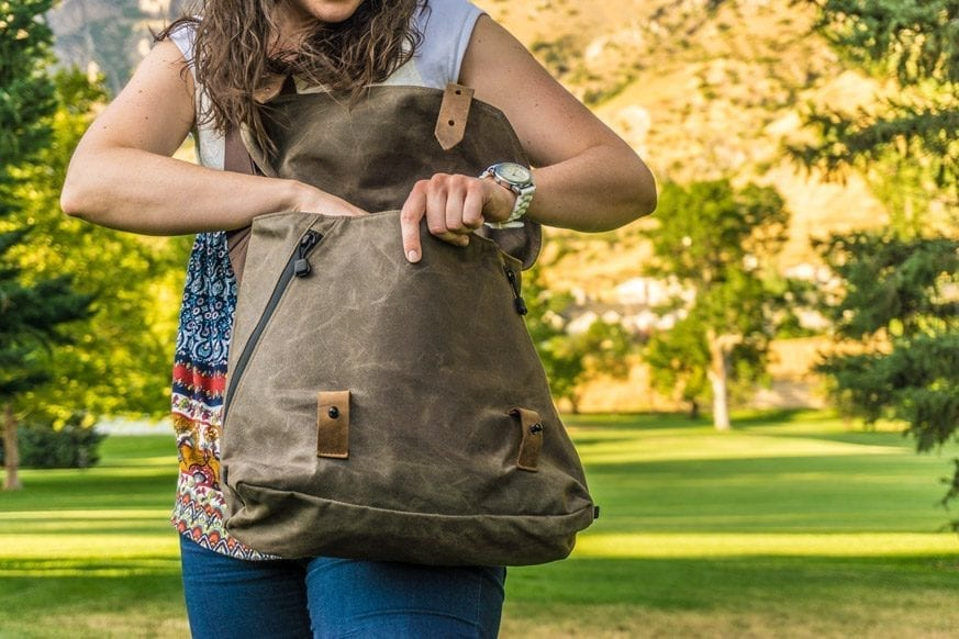Waterfield-Designs-Vitesse-Messenger-Bag-Review-$159-BestLeather.org-DSC01014