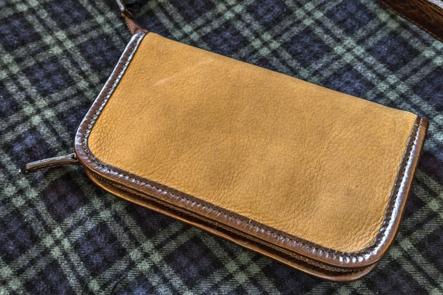 moore-and-giles-accessories-case-nubuck-bison-review-180-bestleather-org-dsc01182