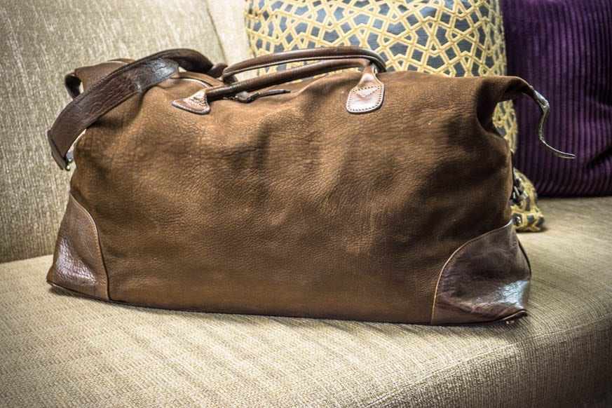 Moore-and-Giles-Benedict-Nubuck-Bison-Chocolate-Weekend-Bag-Review-$925-BestLeather.org-DSC01109