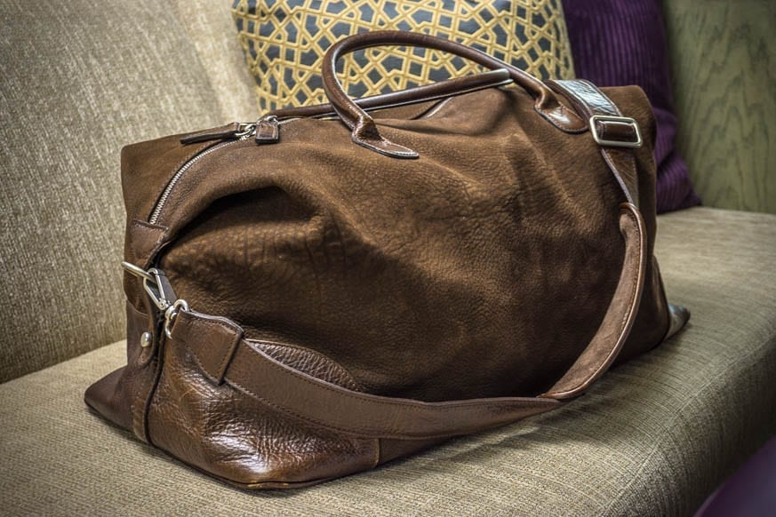 Moore-and-Giles-Benedict-Nubuck-Bison-Chocolate-Weekend-Bag-Review-$925-BestLeather.org-DSC01113