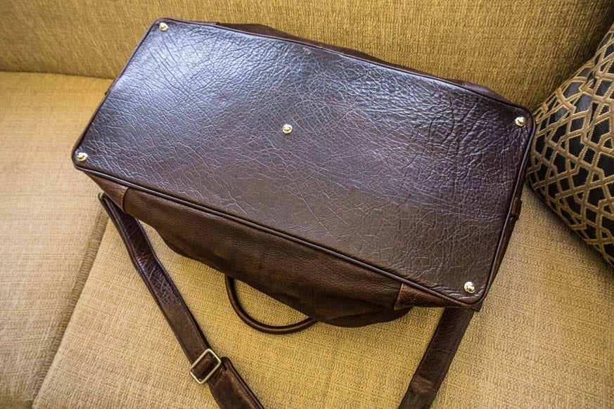 Moore-and-Giles-Benedict-Nubuck-Bison-Chocolate-Weekend-Bag-Review-$925-BestLeather.org-DSC01162