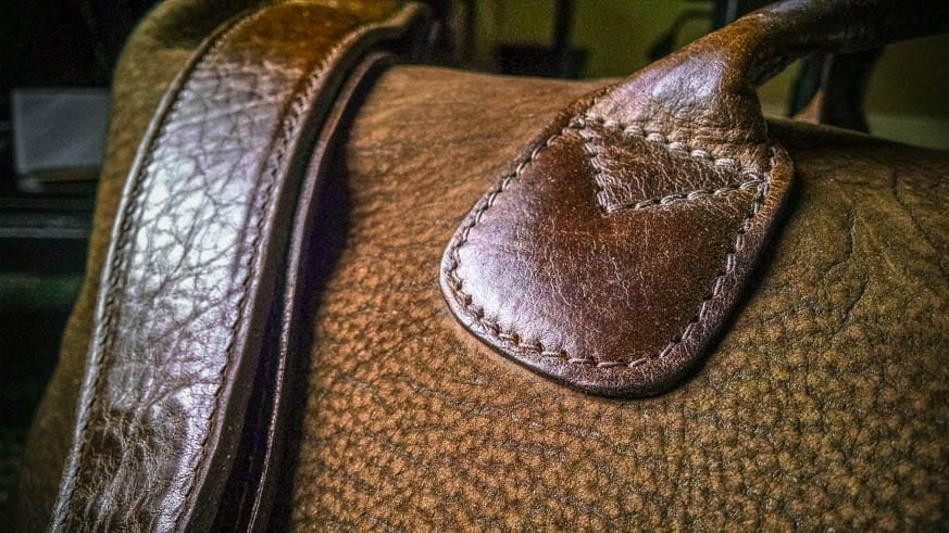 Moore-and-Giles-Benedict-Nubuck-Bison-Chocolate-Weekend-Bag-Review-$925-BestLeather.org-IMG_20160818_072847112